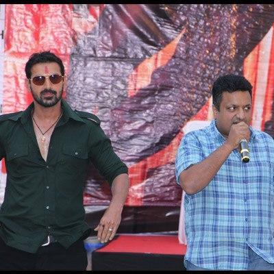 John Abraham And Sanjay Gupta On The Sets Of Shootout At Wadala