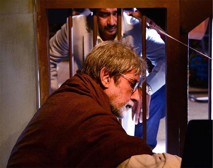 Amitabh Bachchan Nice Look On The Sets Of Satyagraha Movie