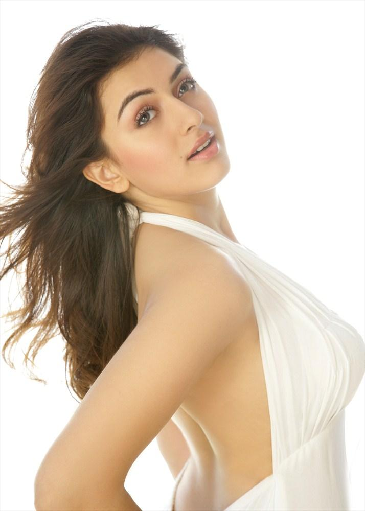 Hansika Spicy Look Photo Shoot In A White Ensemble