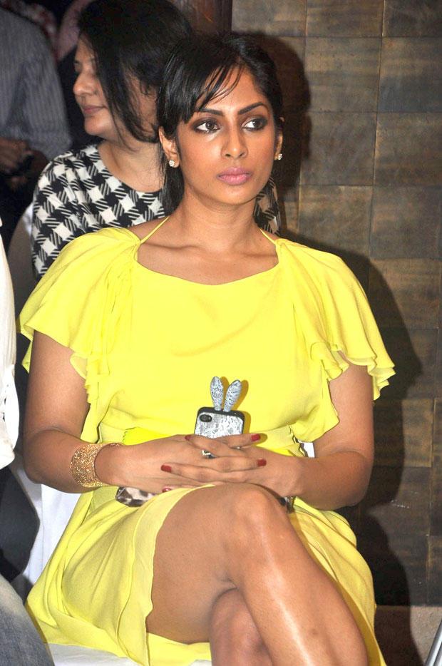 Shriya Reddy Dazzles In Yellow At South Scope Calendar Launch 2013