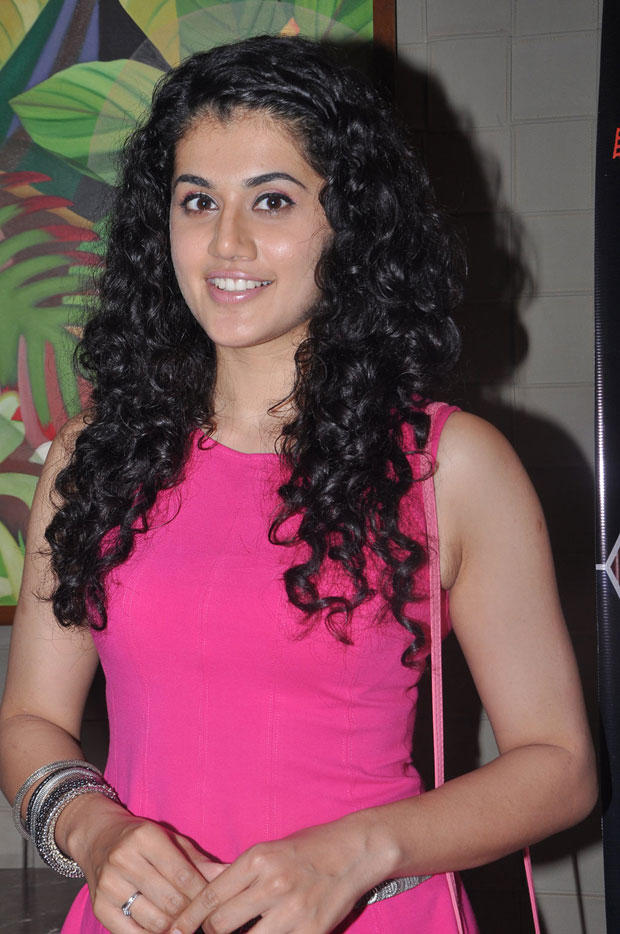 Taapsee Pannu Smiling Look At South Scope Calendar Launch 2013