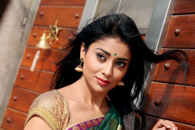 Shriya Gorgeous Look Photo Still From Movie Pavitra