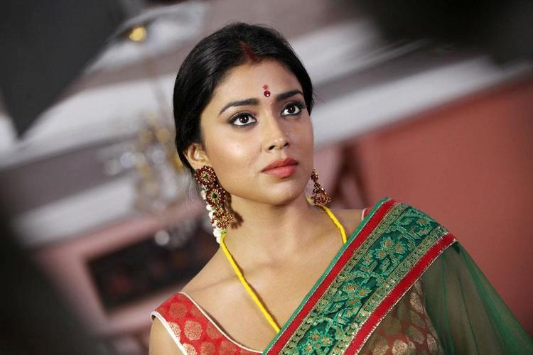 Shriya Looked Ravishing In A Saree In Movie Pavitra