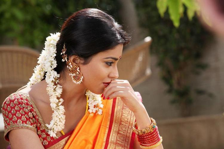 Shriya Nice Smiling Photo Still From Movie Pavitra