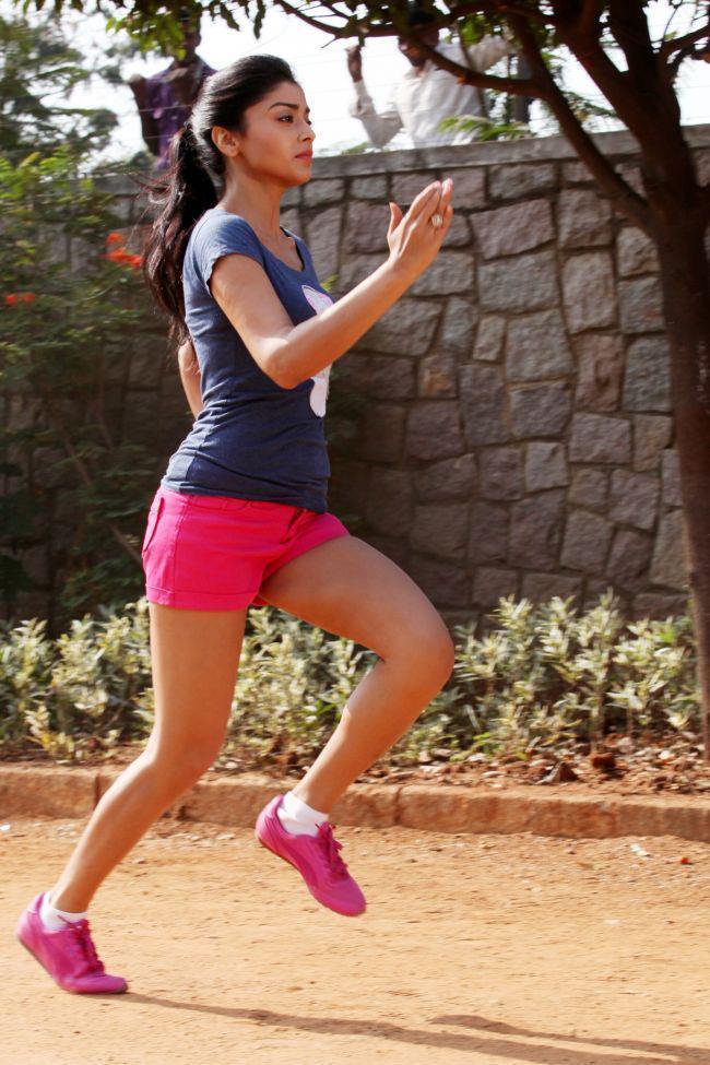 Shriya Saran Jugging Photo Still From Movie Pavitra