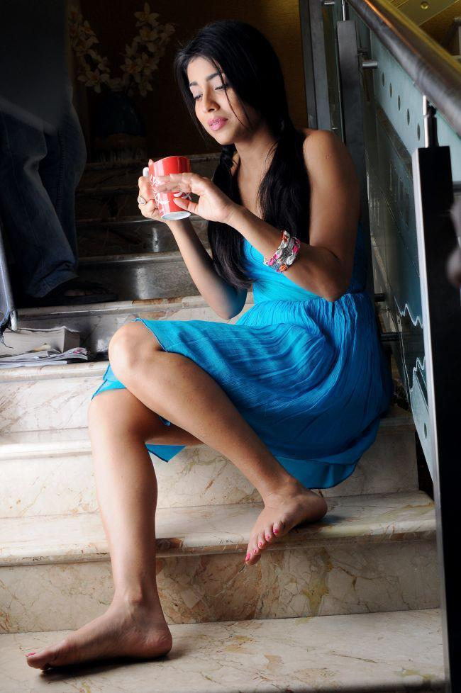 Shriya Saran With Tea Cup Photo Still From Movie Pavitra