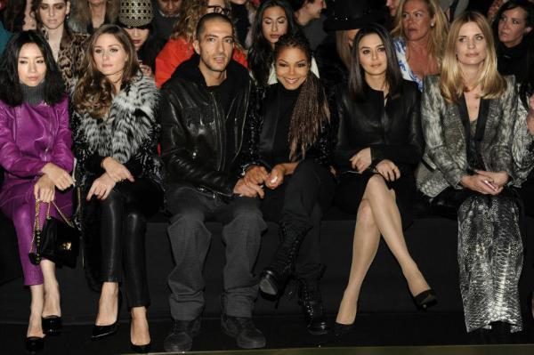 Preity Zinta With Guests Pose For Camera At The Roberto Cavalli Fashion Show