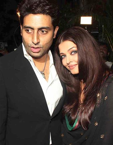 Abhishek And Wife Aishwarya Cosy Pose At Sanjay Leela Bhansali Birthday Bash