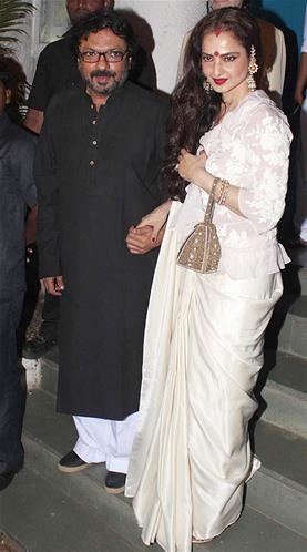 Sanjay With Rekha Posed For Camera At His Birthday Bash