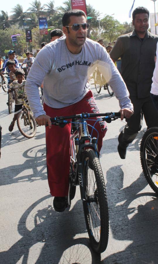 Salman Khan Snapped At Mumbai Car Free Day Rally