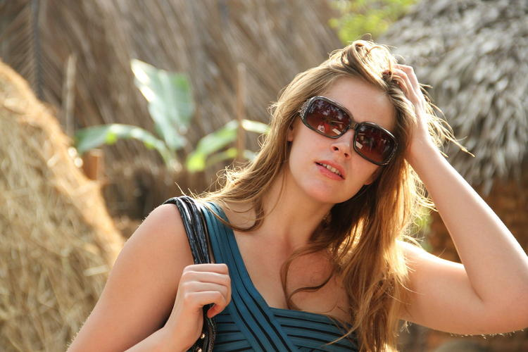 Stylish Rachel Glamour Look Still From Welcome Obama Movie