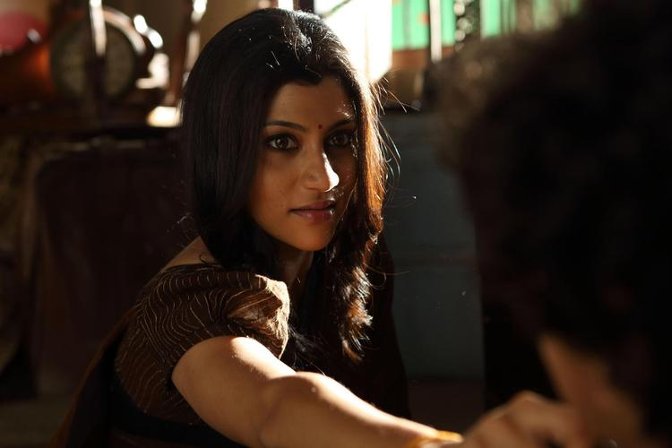 Konkona Sen Nice Look Photo Still From Movie Ek Thi Daayan