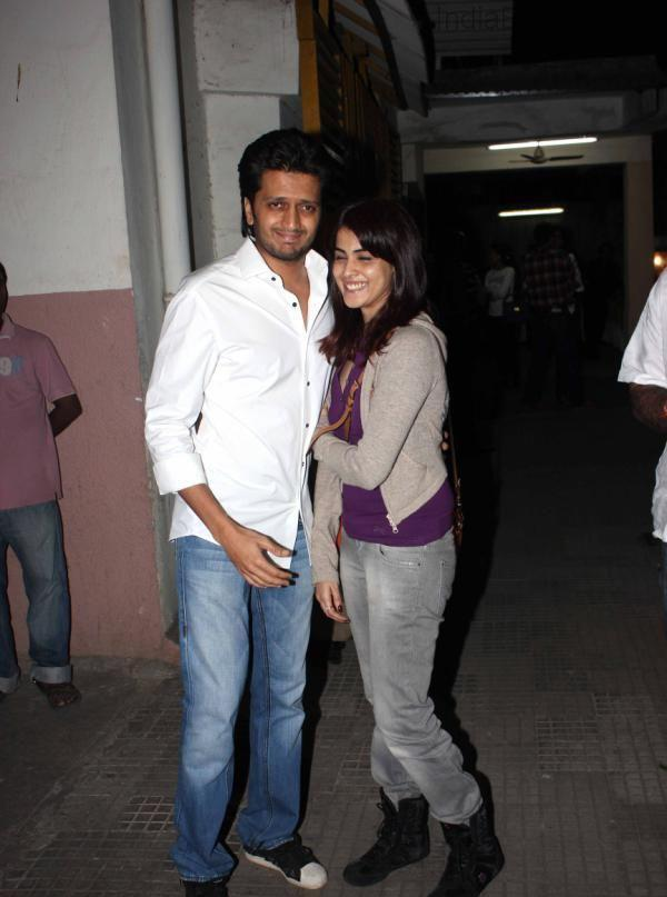 Riteish And Wife Genelia Posed At The Special Screening Of Balak Palak