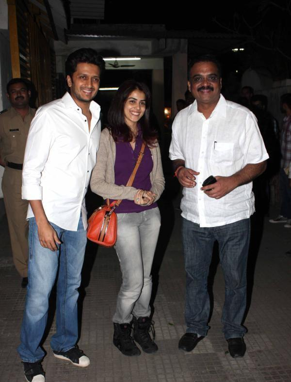 Riteish With His Wife Genelia Clicked At The Special Screening Of Balak Palak
