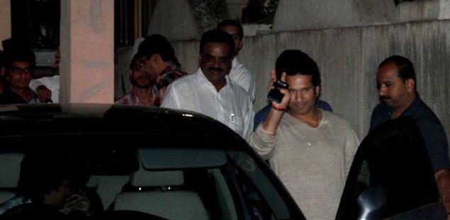 Sachin Tendulkar Greets His Fans At The Special Screening Of Balak Palak