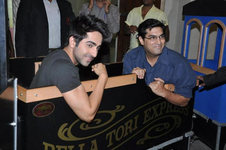 Ayushmann And Kunal Cute Smiling Photo Clicked At Nautanki Saala Audio Launch