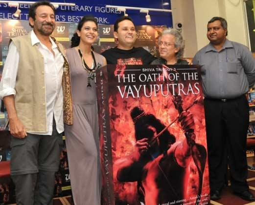 Shekhar,Kajol,Amish And Anil Posed For Camera At The Launch Of The Oath Of The Vayuputras Book