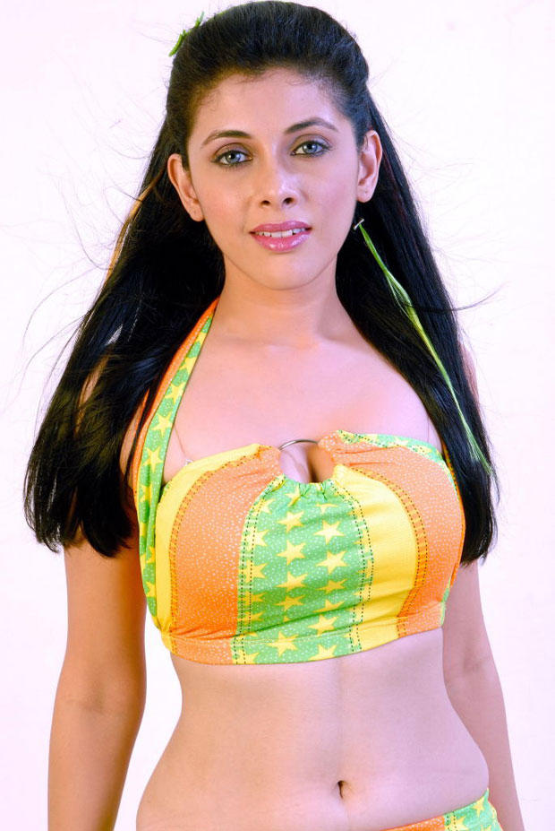 Manasi Dovhal Hot And Spicy Photo Shoot