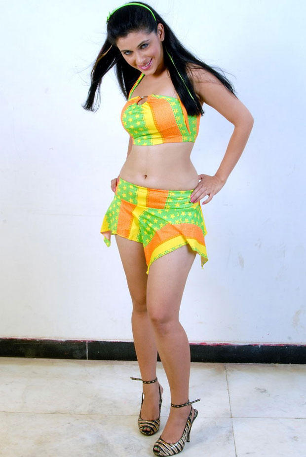 Manasi Dovhal Sexy Expression Photo Shoot