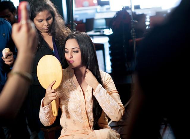Sonakshi Sinha In Make Up Room On The Sets Of Filmfare