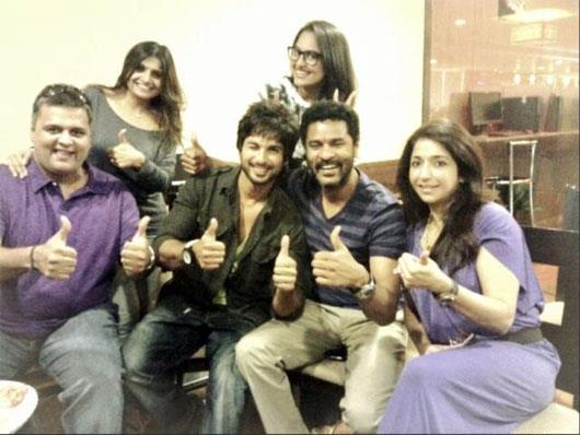 Shahid,Prabhu,Sonakshi And Others Cool Look On The Sets Of Rambo Rajkumar