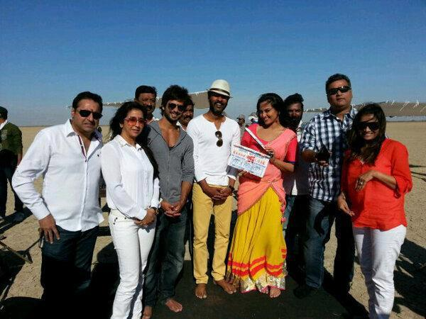 Shahid,Sonakshi And Prabhu Posed On The Sets Of Rambo Rajkumar