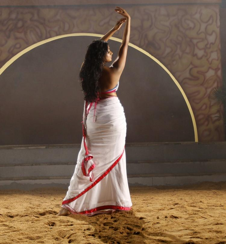 Priyamani In White Saree Sizzling Look From Tikka Movie