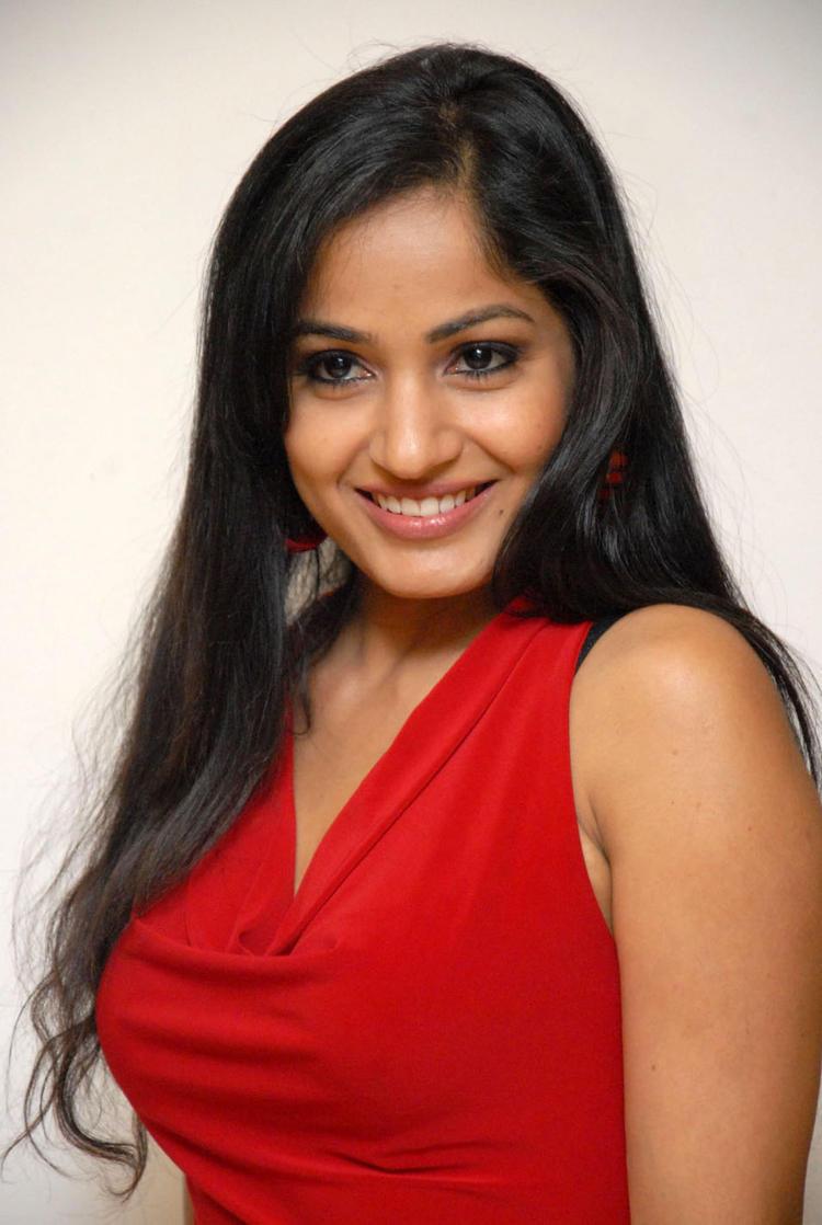 Madhavi Smiling Face Look Still At Tribal Beauty Art Exhibition