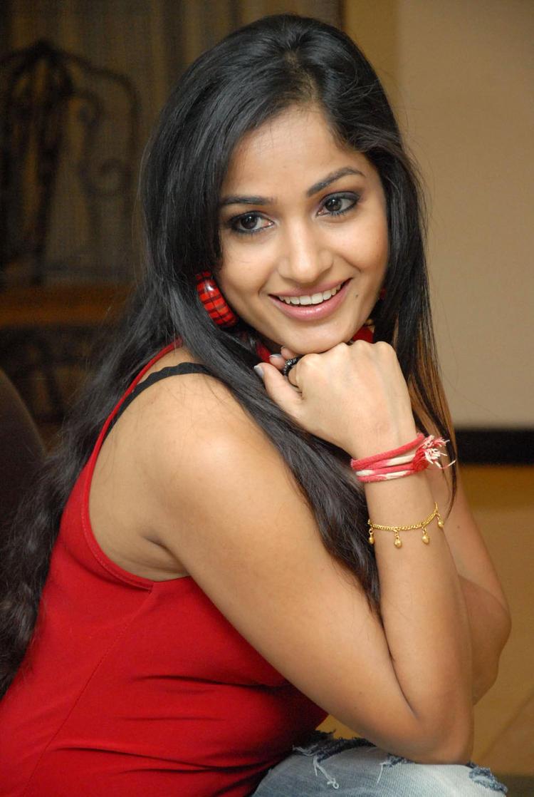 Madhavi Trendy Looking Photo Still At Tribal Beauty Art Exhibition