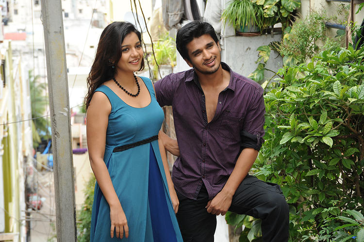 Nikhil And Swati Cool Still From Swami Ra Ra Movie