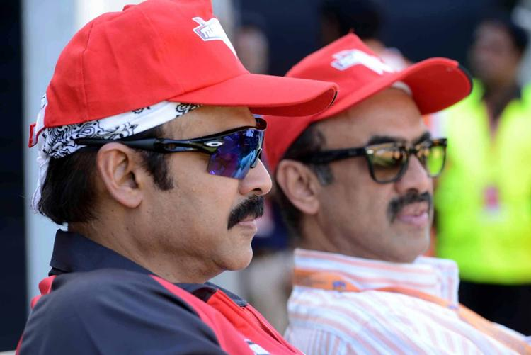 Daggubati Venkatesh Nice Look At CCL 3 Telugu Warriors VS Bhojpuri Dabanggs Match