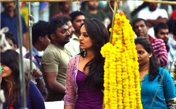 Sonakshi Cute Expression Photo Still From Movie Bullet Raja