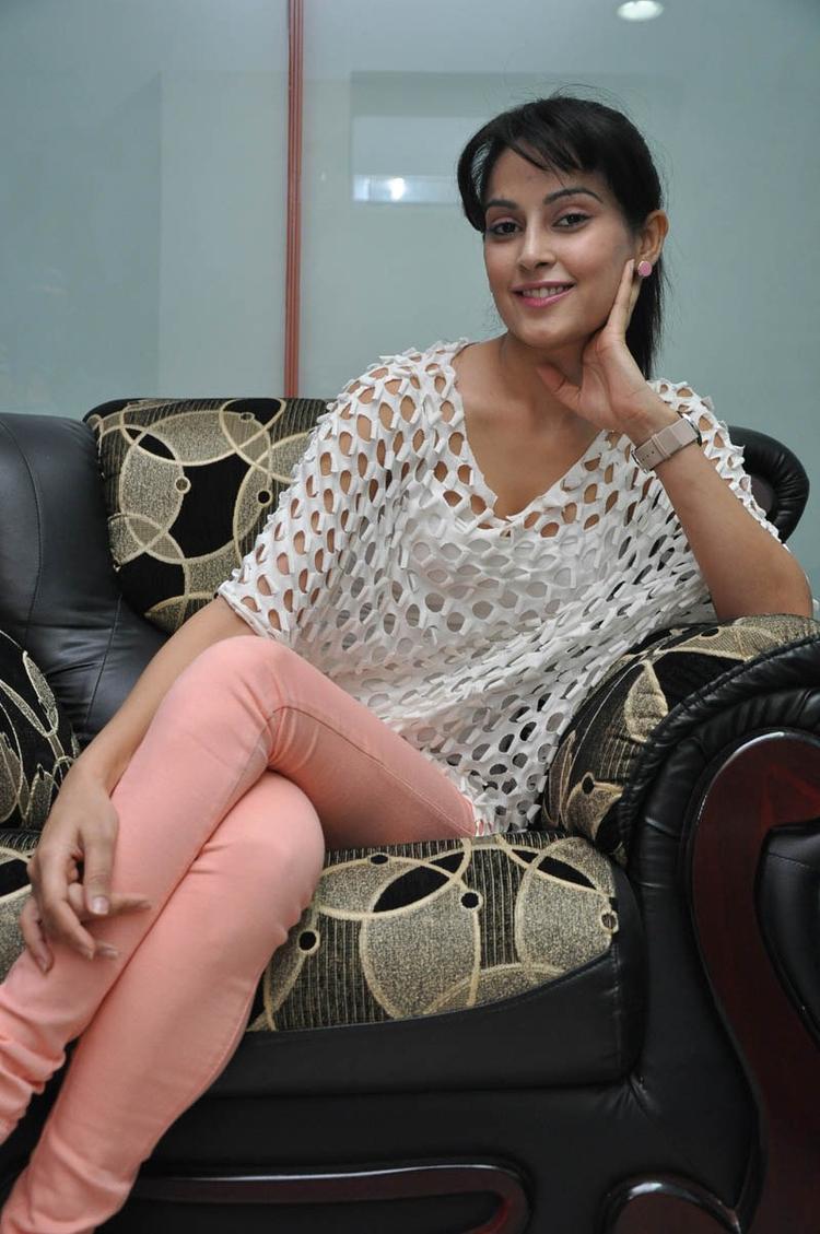 Disha Cute Sexy Pose Photo Still At Race Telugu Movie Press Meet