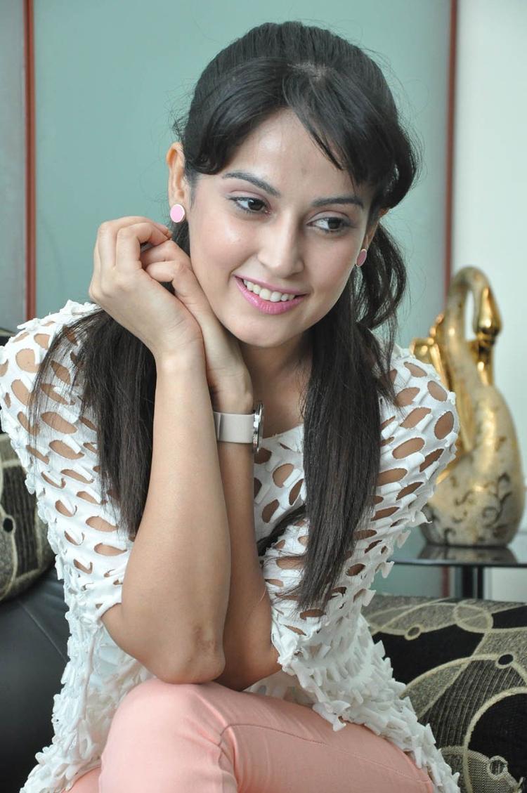 Disha Glamorous Look Photo Still At Race Telugu Movie Press Meet