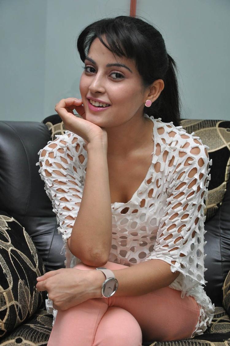 Disha Spicy Look Photo Still At Race Telugu Movie Press Meet