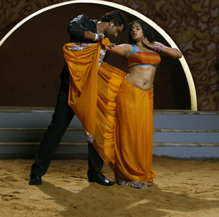 Priyamani And Krishna Sexy Sizzling Still From Tikka Movie