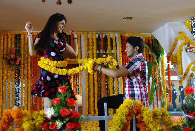 Priyadarshini And Manoj Nandam Nice Look Still From Youthful Love Movie