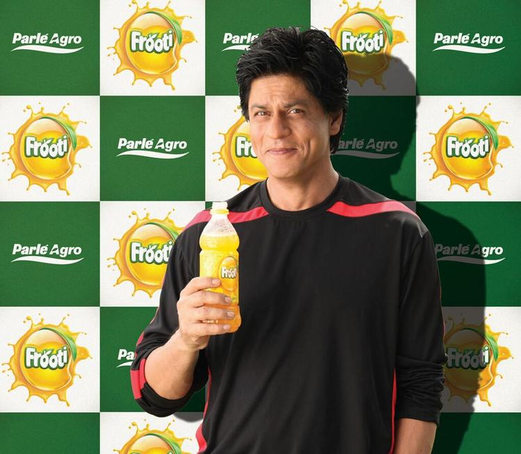 King Khan Cute Smiling Dimple Show Photo Shoot For Frooti Mango Juice Print Ads