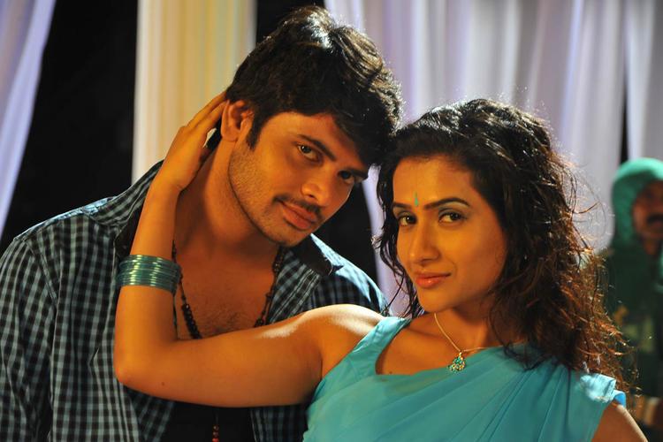 Jaaki And Vidya Cool Look Still From Needa Telugu Movie