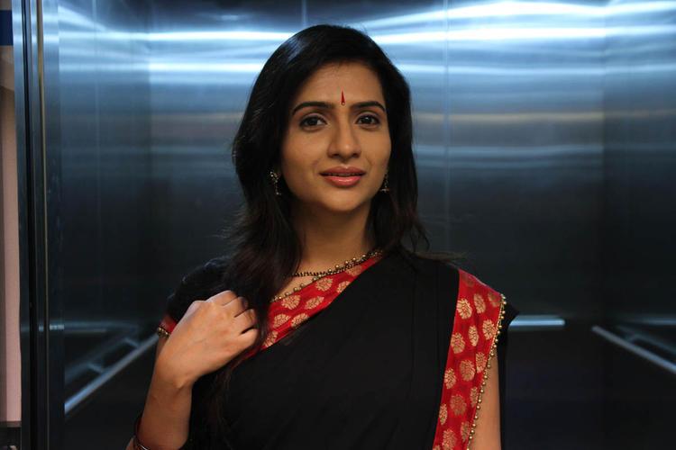 Vidya Nice Look Still From Needa Telugu Movie