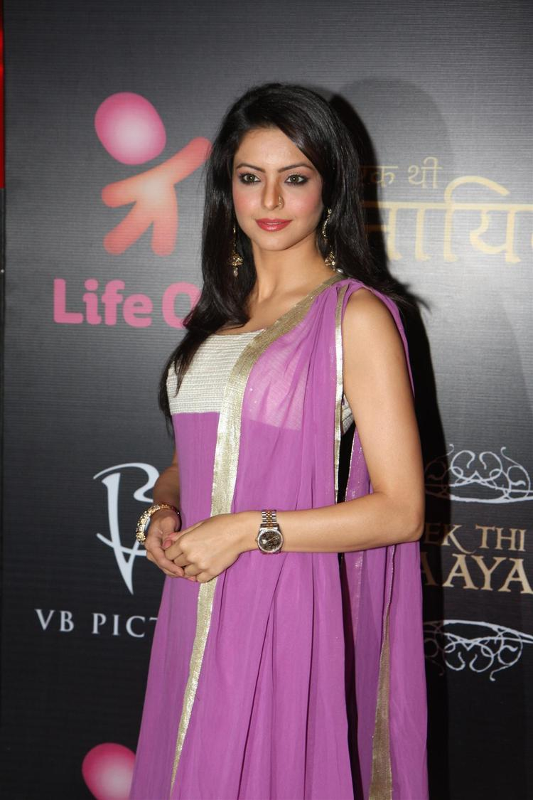 Aamna Posed For Camera At The Launch Of Life OK Serial Ek Thi Naayka
