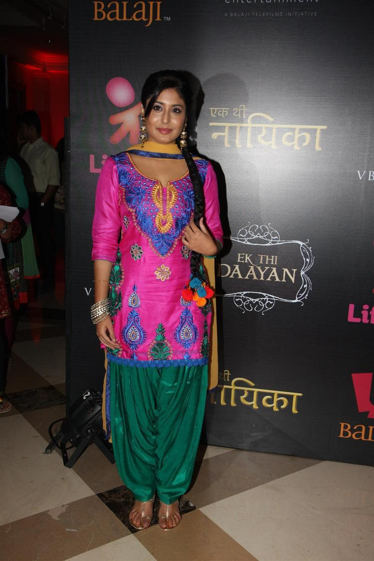 Kritika Looked Awesome In Chudidar At The Launch Of Life OK Serial Ek Thi Naayka