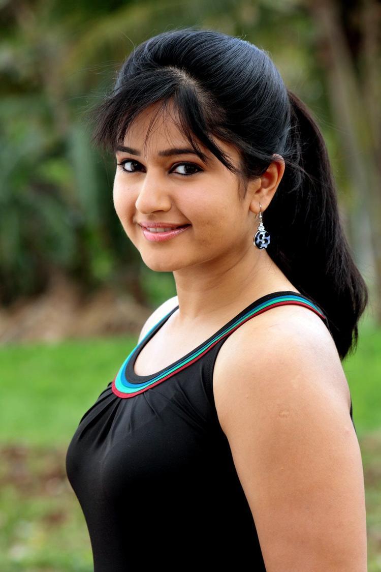 Poonam Bajwa Looked Radiant And Beautiful Photo Still