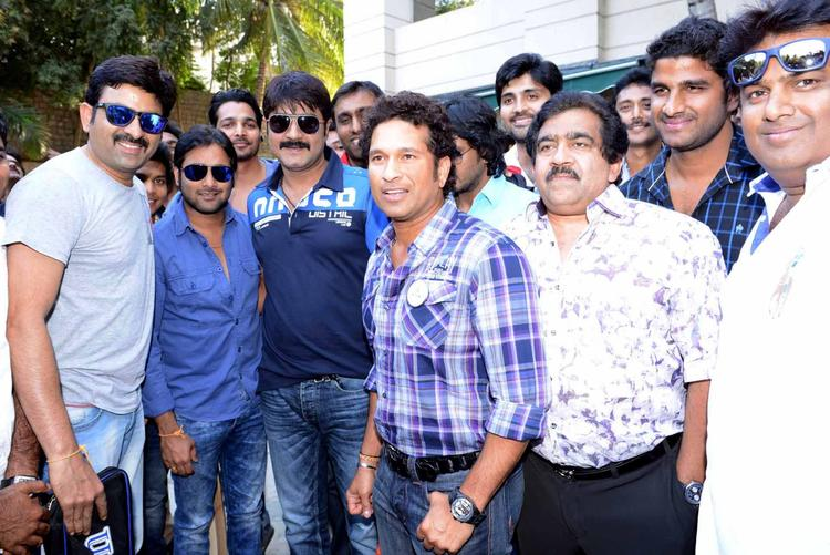 Sachin Meets Tarun,Srikanth,Harshvardhan And Chamundeswaranath At ITC Kakatiya