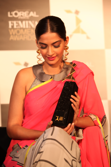 Sonam Kapoor Dazzling Stunning Look In Saree At L'Oreal Paris And Femina Women Awards Press Conference