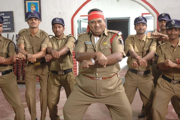 Jayaprakash Reddy Gangnam Style Dance Pose From Nutilo Kappalu Telugu Movie