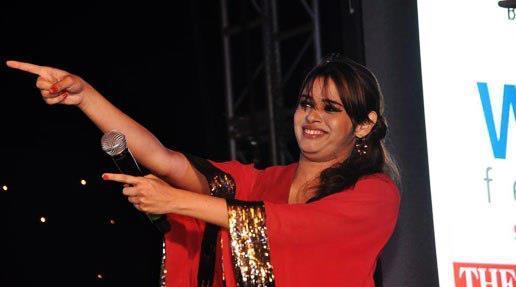 Shalmali Kholgade Cool Look At Worli Festival 2013