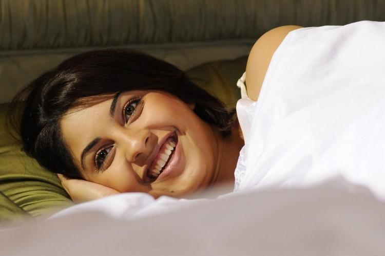 Richa Gangopadhyay Hot Gorgeous Photo Still