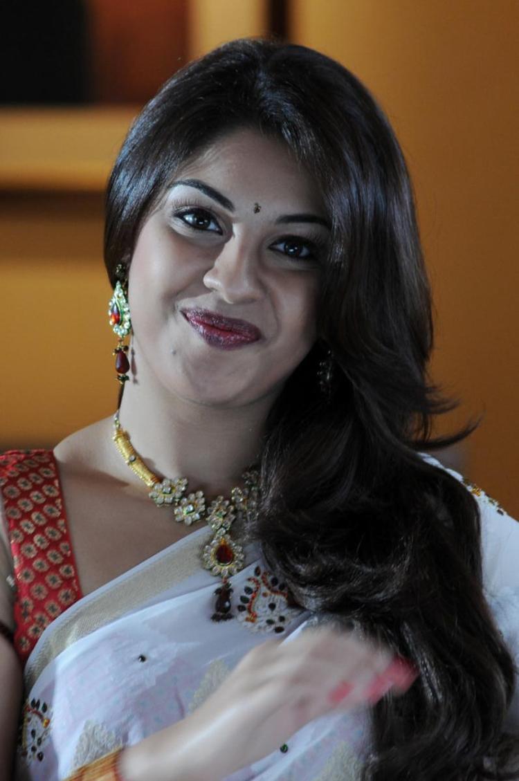 Richa Gangopadhyay Nice Look With Cute Smiling Photo Still
