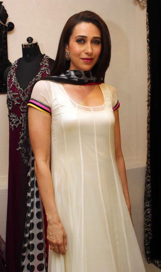 Karisma Kapoor Elegant In Archana Kochhar Store At Women Day Celebration